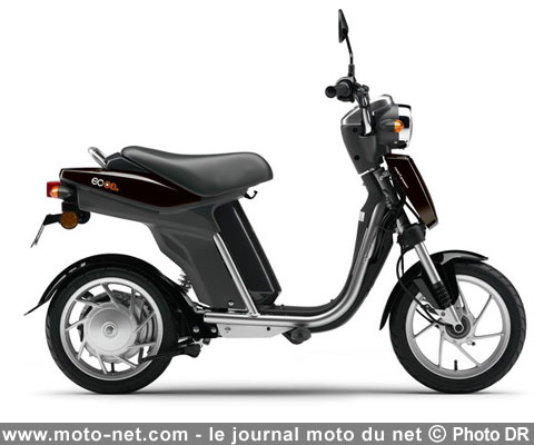 environnement le scooter lectrique yamaha ec 03 arrive en france. Black Bedroom Furniture Sets. Home Design Ideas