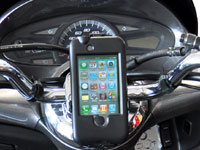 Support iPhone TG Bike Console pour moto et scooter