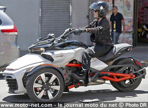 nouveaut s nouveaut s 3 roues le futur can am spyder f3 se muscle. Black Bedroom Furniture Sets. Home Design Ideas