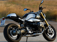 nouveaut s bmw compte vendre 800 r ninet en france et 8000 dans le monde. Black Bedroom Furniture Sets. Home Design Ideas