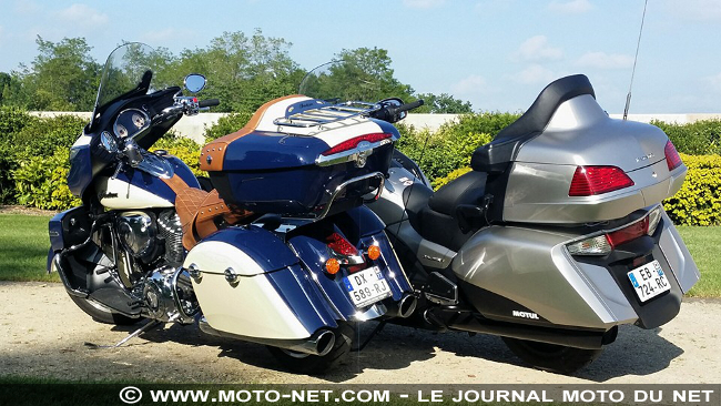 nouveaut s en direct du duel honda goldwing vs indian roadmaster marche arri re ou pare. Black Bedroom Furniture Sets. Home Design Ideas