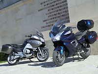 Duel de motos routières : BMW R1200RT Vs Triumph Trophy 1200 SE