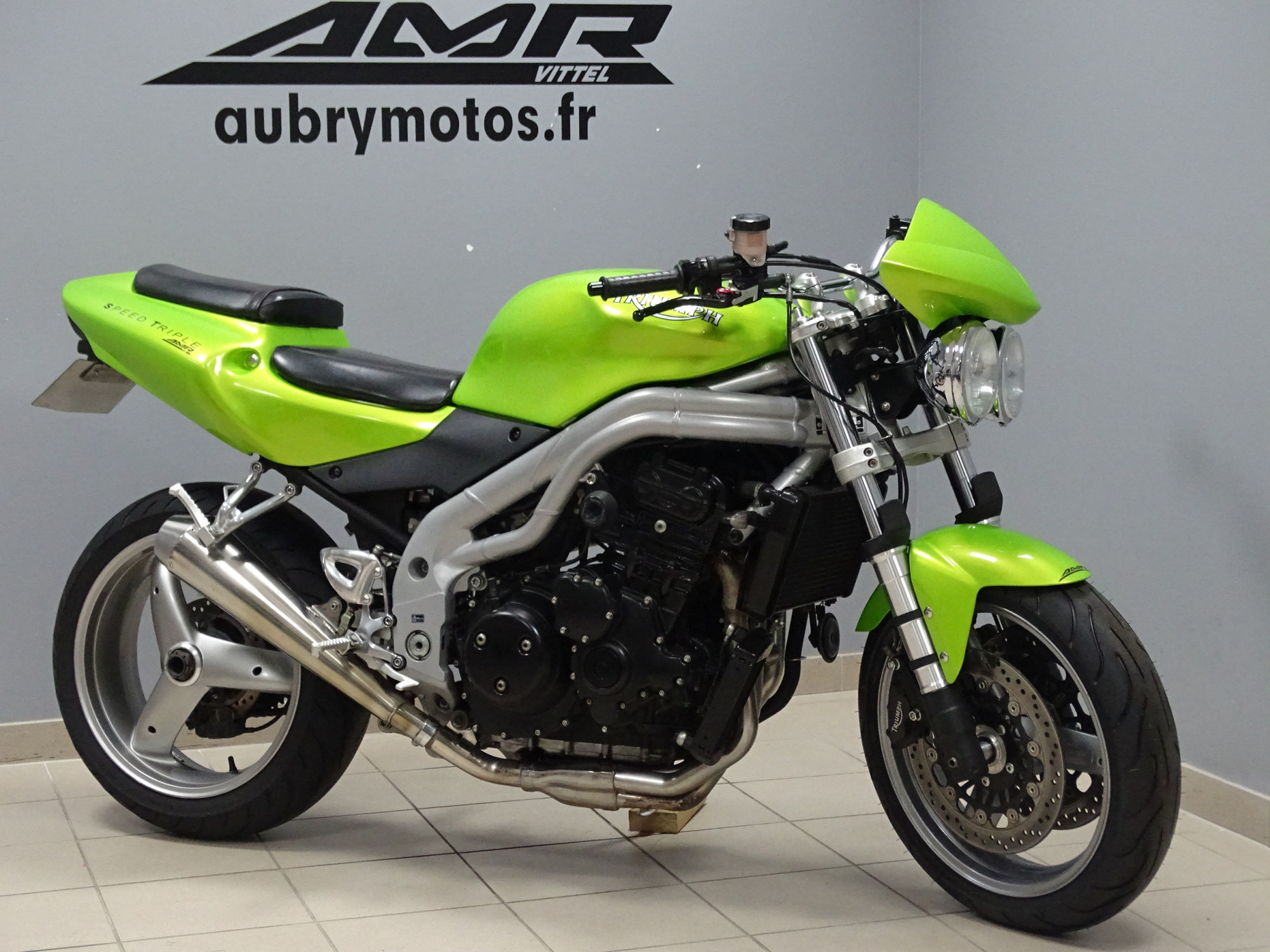 TRIUMPH 955 Speed Triple