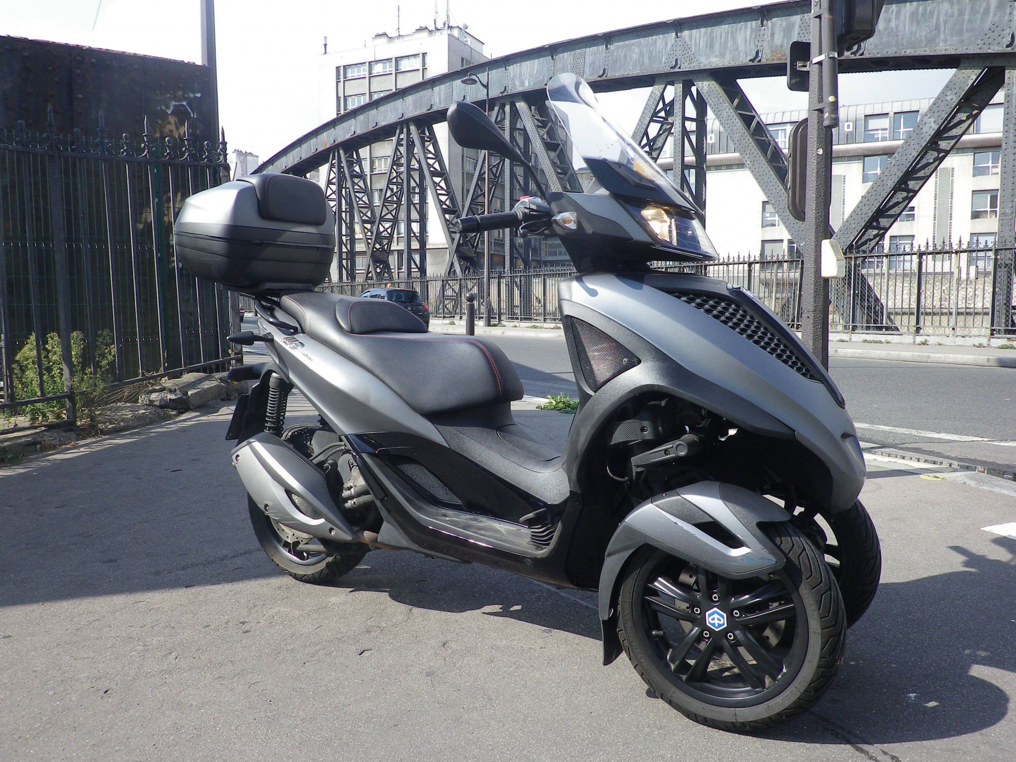 PIAGGIO 300 MP3 300LT YOURB