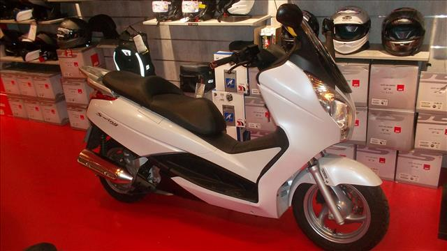 HONDA 125 FES 125 SILVER WING  ABS