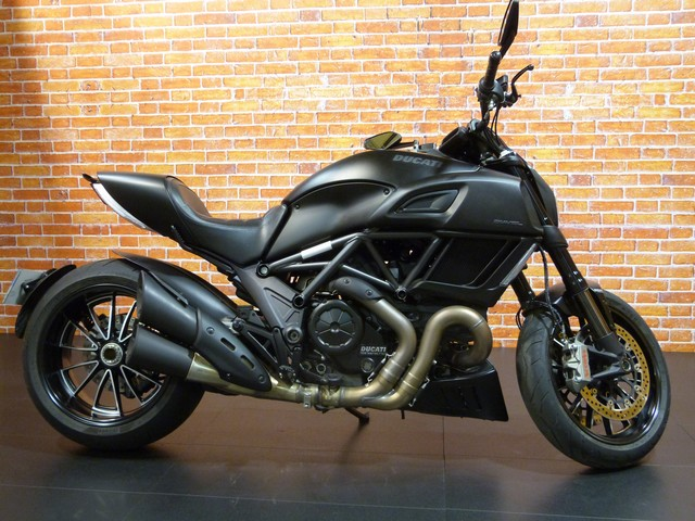 DUCATI 1200 DIAVEL DARK
