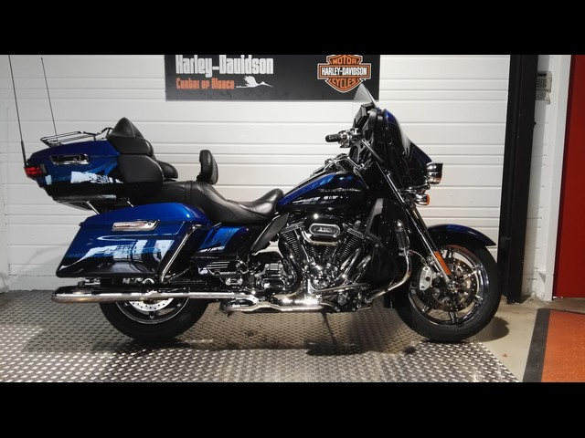 HARLEY-DAVIDSON 1800 TOURING ELECTRA ULTRA LIMITED CVO