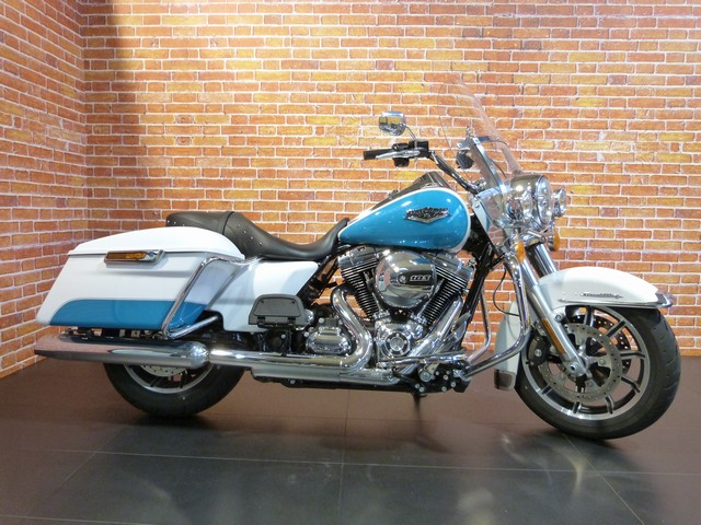 HARLEY-DAVIDSON 1690 ROAD KING CLASSIC 1690