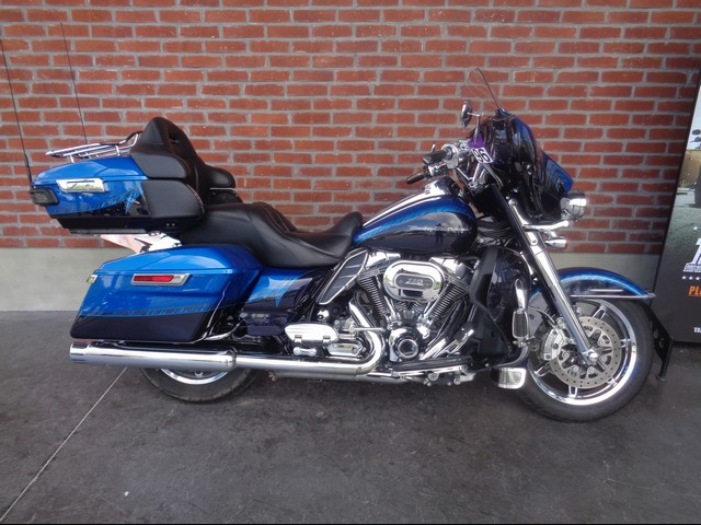 HARLEY-DAVIDSON 1800 TOURING ELECTRA GLIDE ULTRA LIMITED CVO