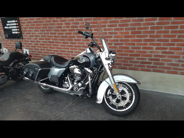 HARLEY-DAVIDSON 1700 ROAD KING RUSHMORE ABS