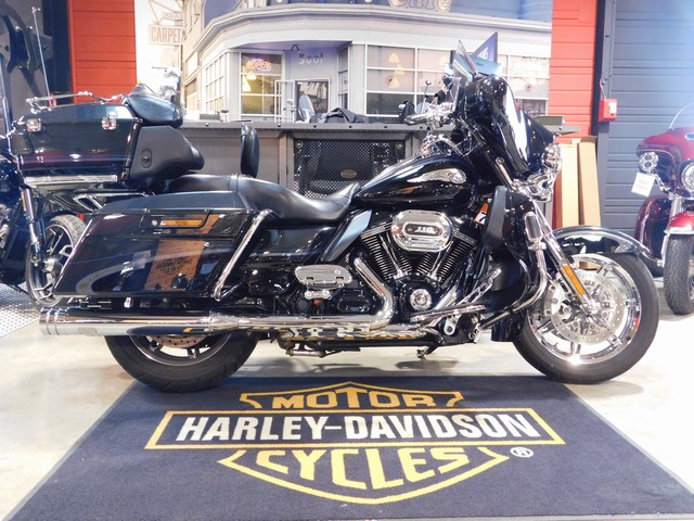 HARLEY-DAVIDSON 1800 TOURING ELECTRA GLIDE ULTRA CLASSIC CVO 110EME ANNIV