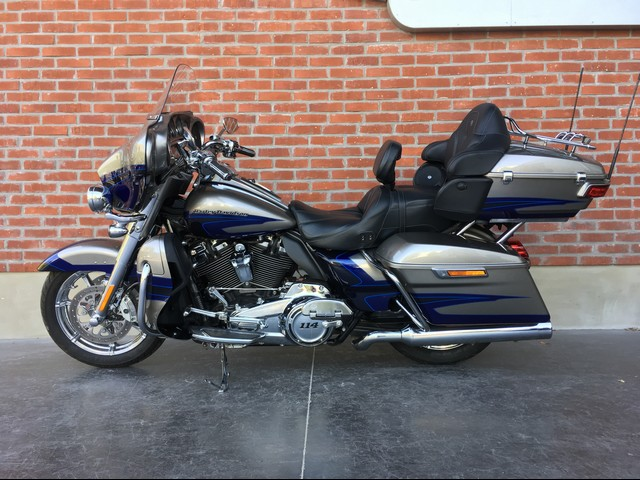 HARLEY-DAVIDSON 1868 TOURING ELECTRA GLIDE ULTRA LIMITED CVO