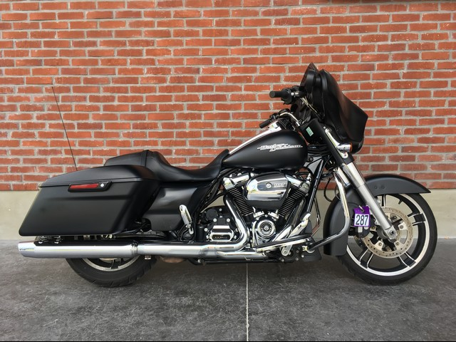 HARLEY-DAVIDSON 1745 TOURING STREET GLIDE SPECIAL / FLHXS
