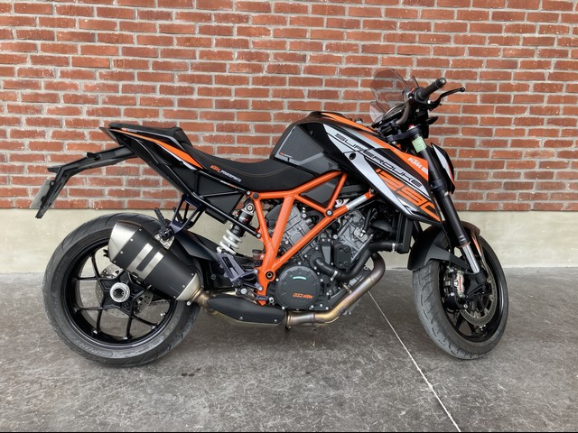 KTM 1290 SUPER DUKE ABS