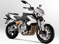 BN 600 : le roadster 4-cylindres selon Benelli