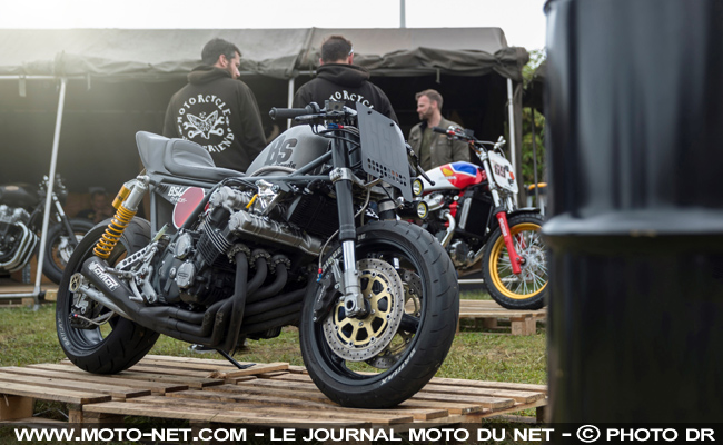 d couverte festival de pr parations motos aux wheels and waves 2017. Black Bedroom Furniture Sets. Home Design Ideas