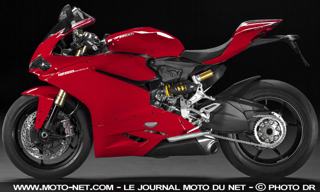 nouveaut s nouveaut ducati 2018 premi res photos vol es de la superbike v4. Black Bedroom Furniture Sets. Home Design Ideas