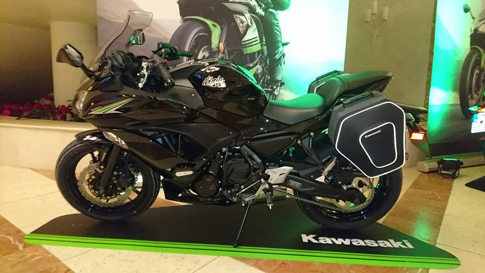 nouveaut s en direct de notre essai de la nouvelle kawasaki ninja 650. Black Bedroom Furniture Sets. Home Design Ideas