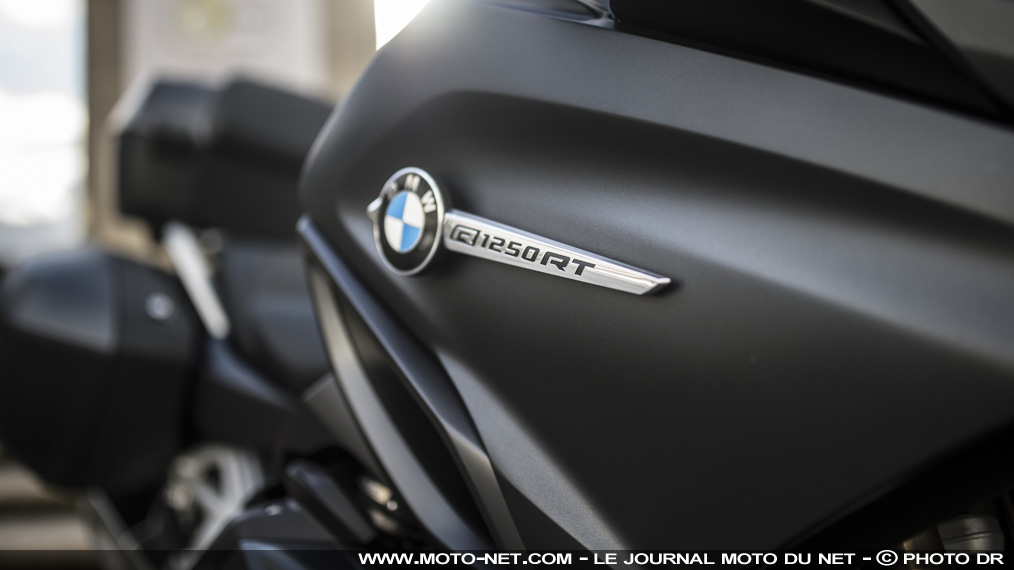 "R1250RT Exclusive : teinte ""M"" et full options pour la routière BMW"